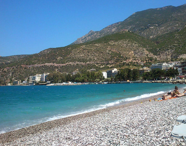 Галечный пляж