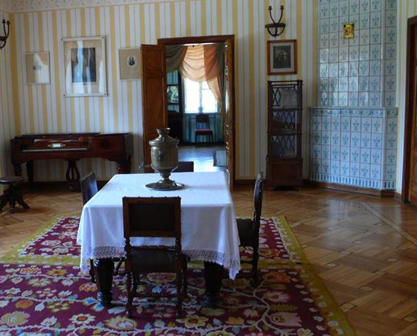 Внутри музея Гоголя