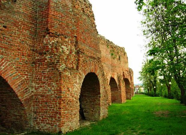 Крепостная стена Асти
