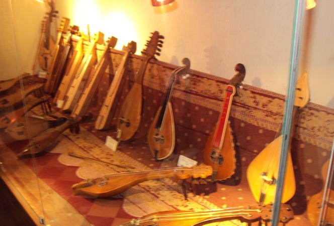 Древние инструменты