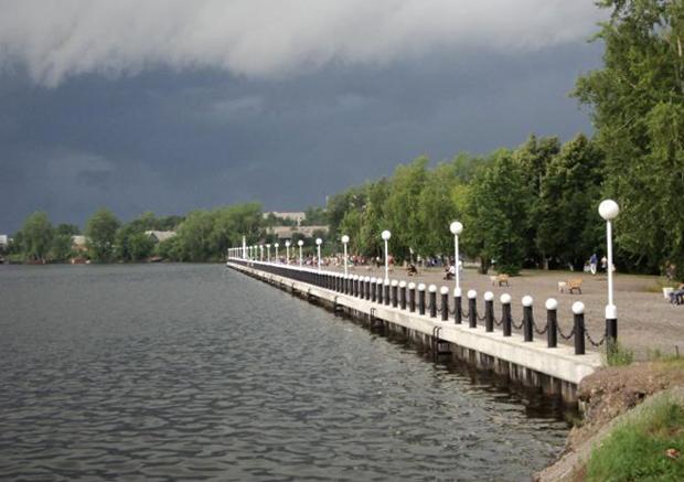 Набережная Омутнинского озера