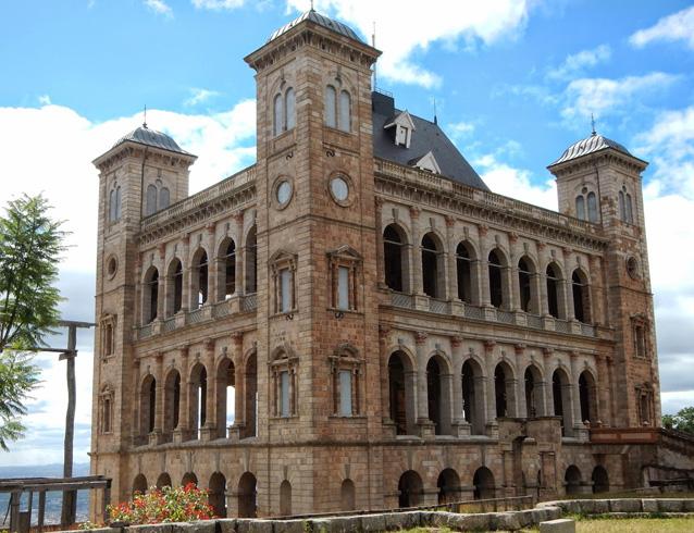 Королевский дворец Амбухиманга