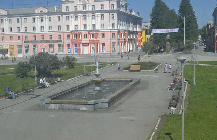 Площадь и улица Мира
