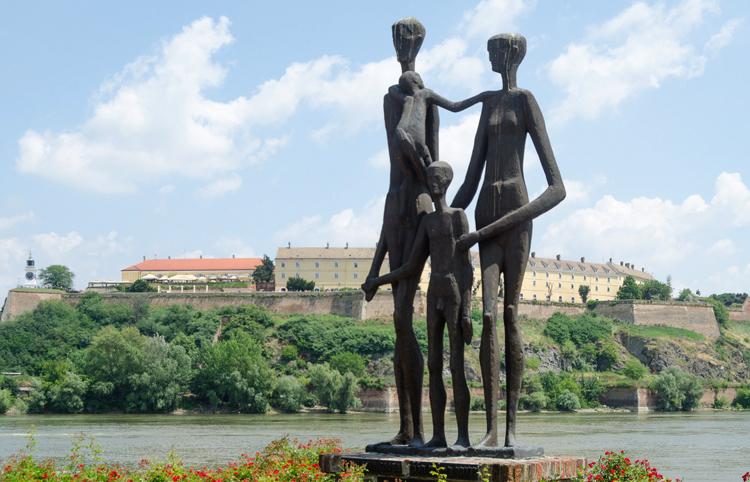 Памятник жертвам резни