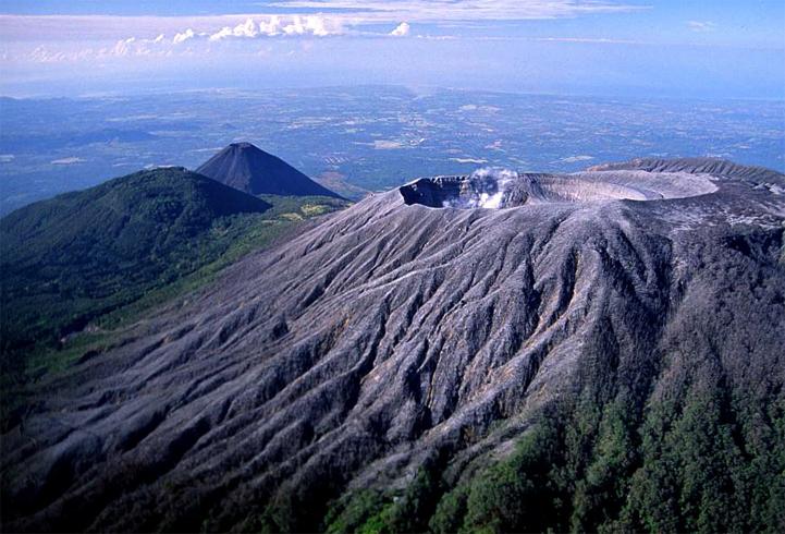 Парк «Parque Nacional Los Volcanes»