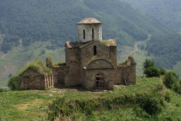 Сентинский храм в Нижней Теберде