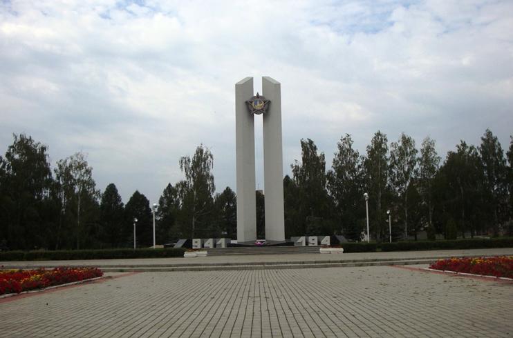 Монумент защитникам Родины