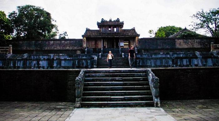 Гробница императора Тхиеу Чи