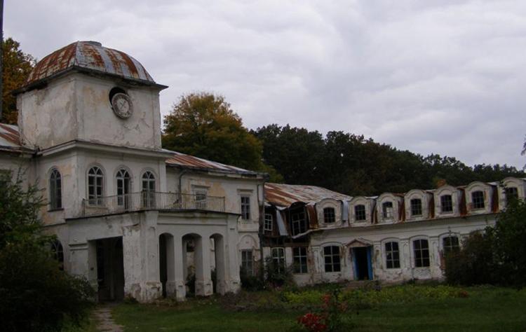 Усадьба декабристов в селе Хомутец