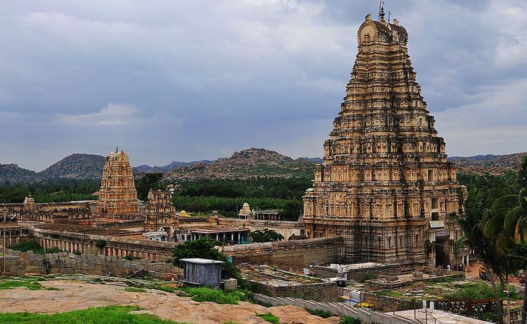Храм Вирупакша