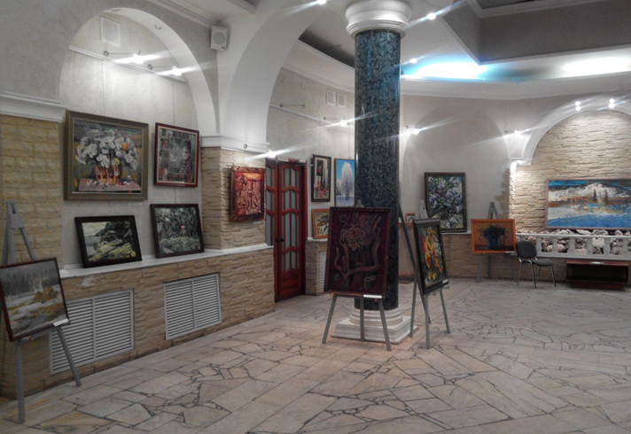 Внутри комплексного музея