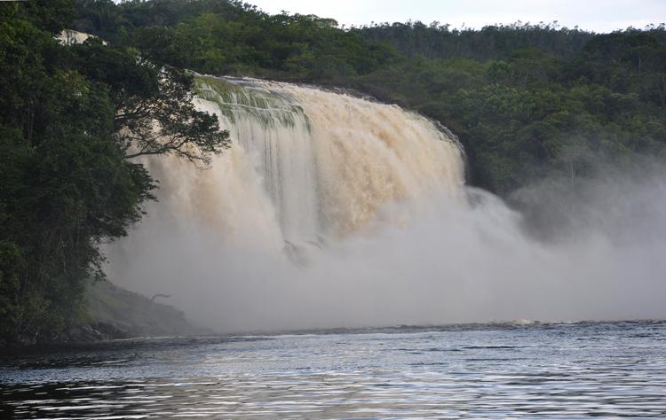 Водопад Эль Ача
