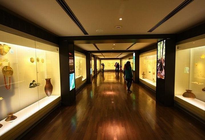 В музее золота