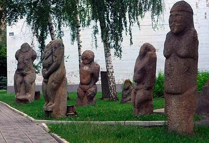 Парк-музейполовецких баб