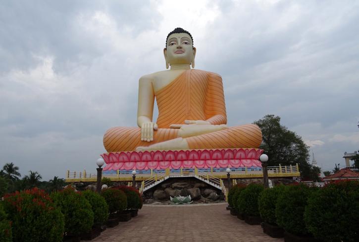 Буддийский храм Kande Viharaya