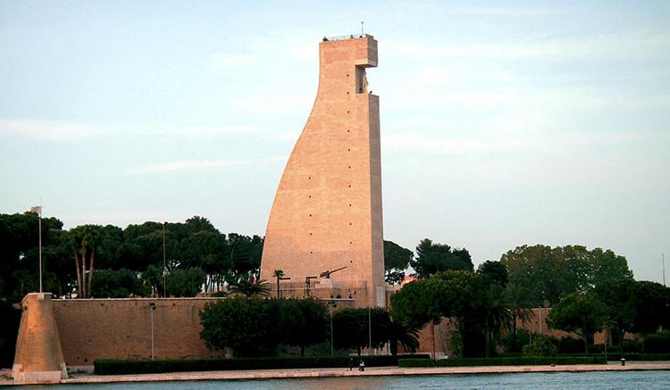 Монумент итальянским морякам