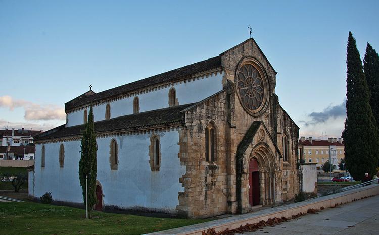 Церковь Санта-Мария-ду-Оливал