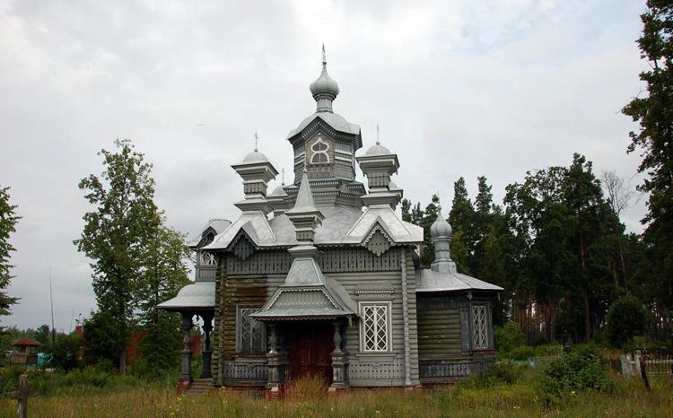 Гарнизонное кладбище и церковь Александра Невского
