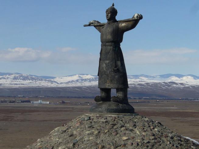 Памятник Кадарчы