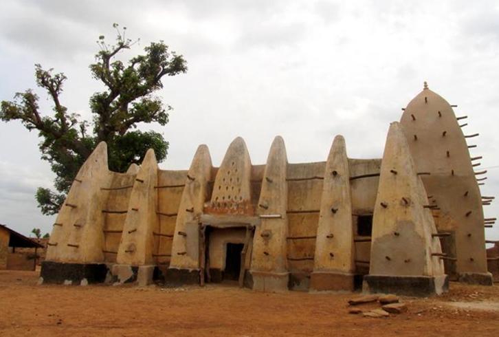 Мечеть в Ларабанге