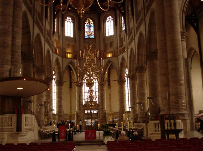 Внутри церкви Святого Лаврентия