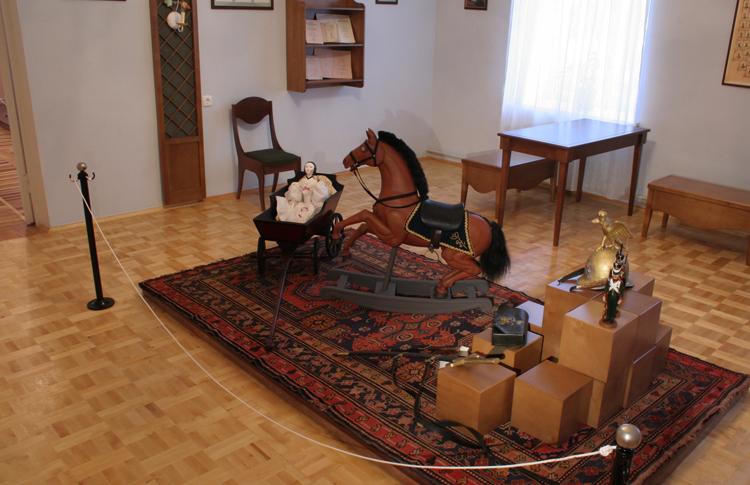 Внутри музея Чайковского