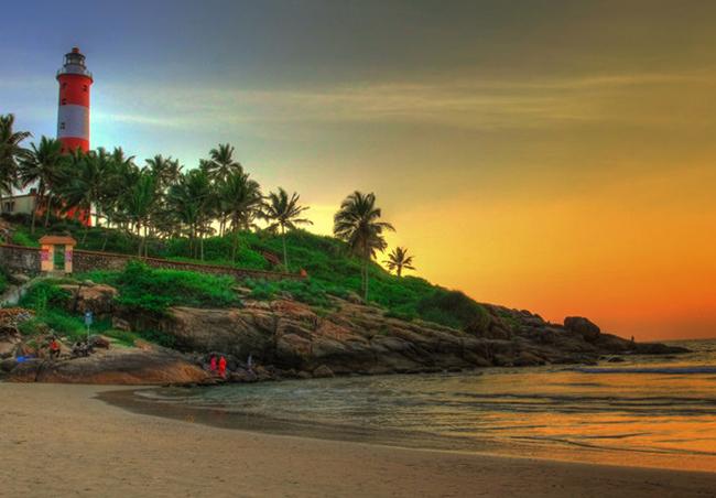 Пляж Маяк Бич