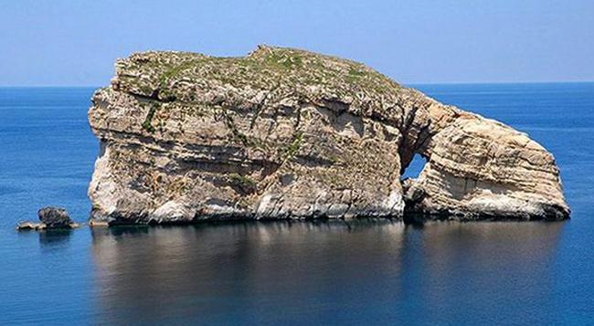 Остров Грибная скала