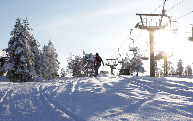 Популярный горнолыжный курорт Оунасваара