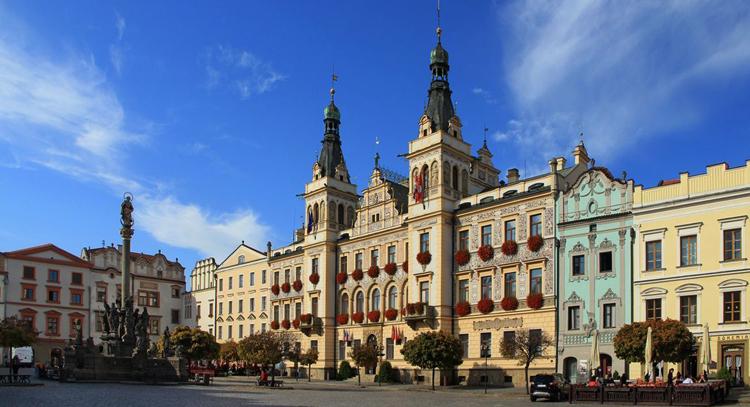 Пернштынская площадь