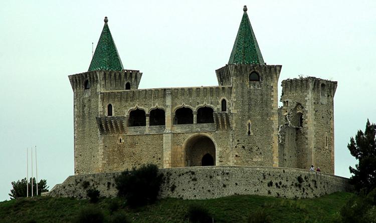 Замок Порту-де-Мош