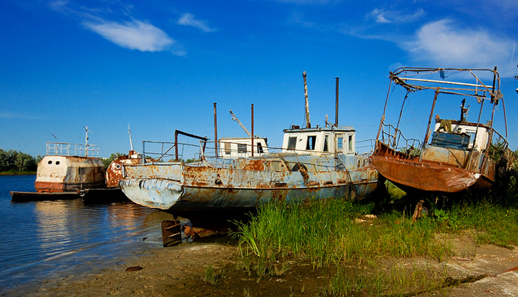 Заброшенный порт г. Лагань