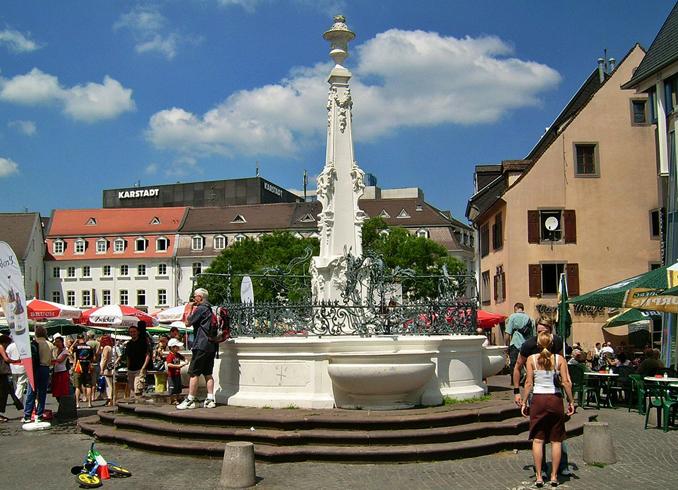 Площадь Санкт-Йоханнер-Маркт