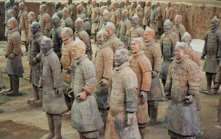 Музей терракотовых статуй коней и воинов