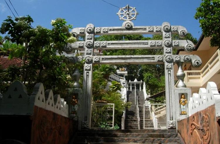 Храм Koduwa Temple