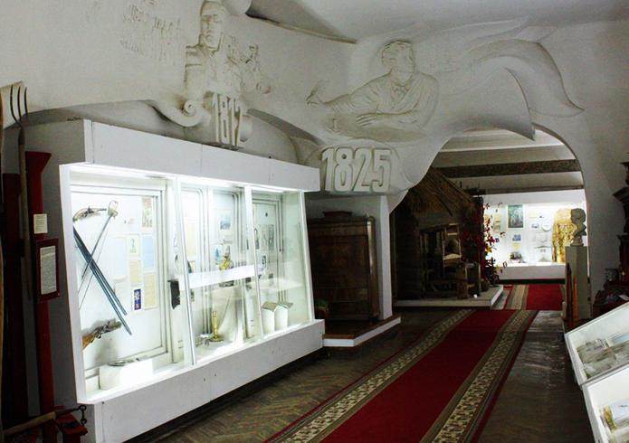 Внутри краеведческого музея