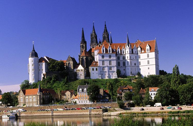 Замок Альбрехтсбург