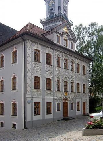 Здание Цирерхаус