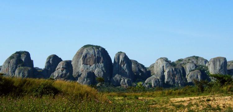 Чёрные камни Пунго – Андонго