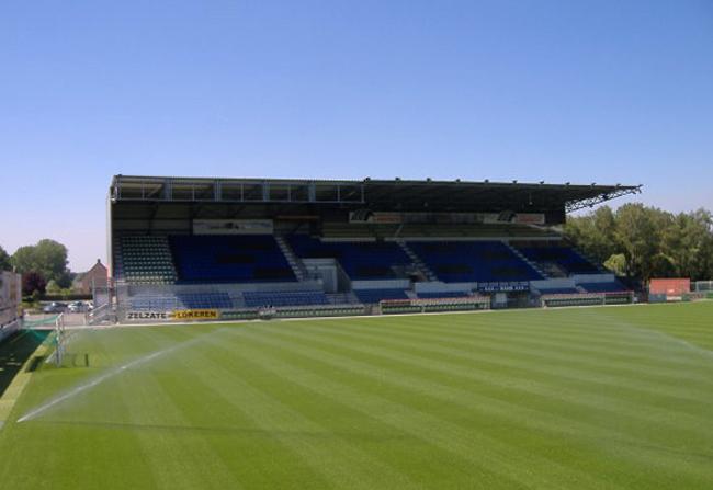 Стадион «Дакнэмстадион»