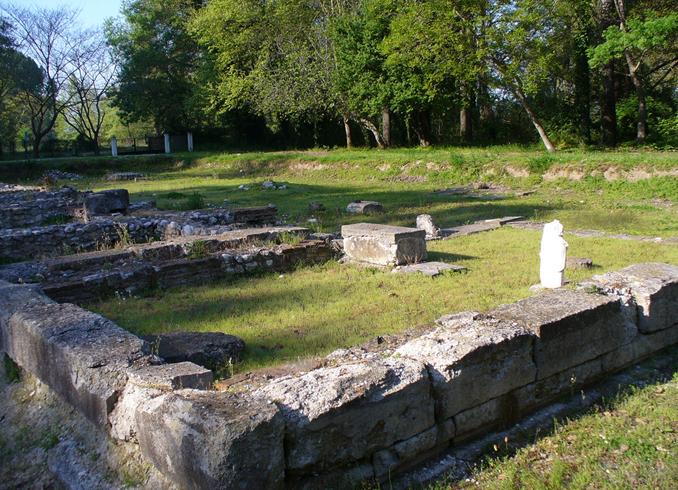 Древняя деревня Дион