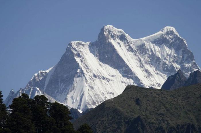 Горная вершина Гангкхар Пуенсум