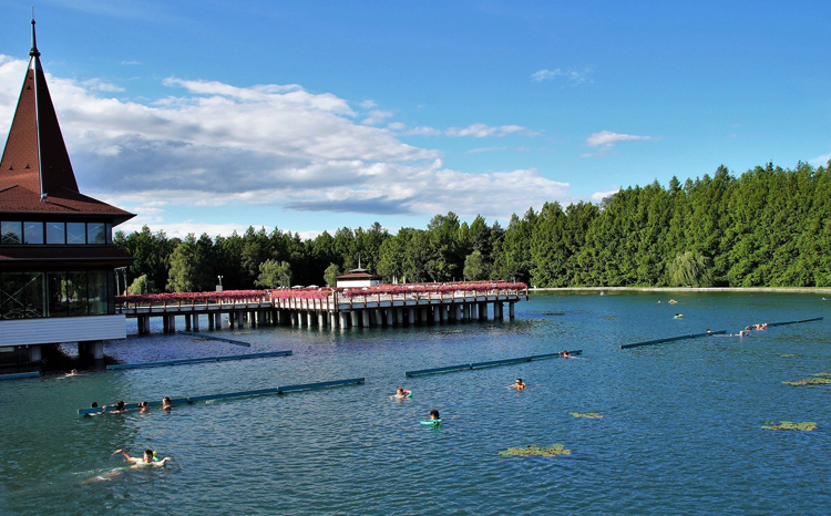 Купальня государственного значения на озере Хевиз
