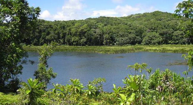 Пресноводное озеро Нгардок