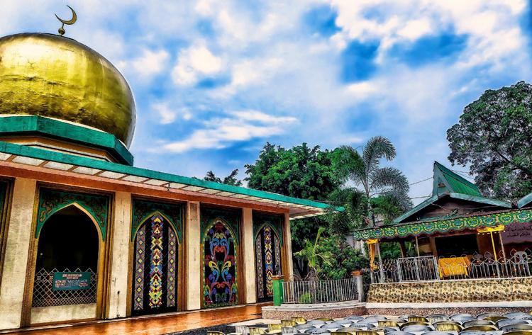 Позолоченная мечеть