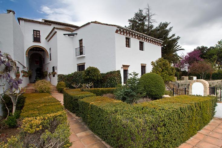 Дворец Мондрахон