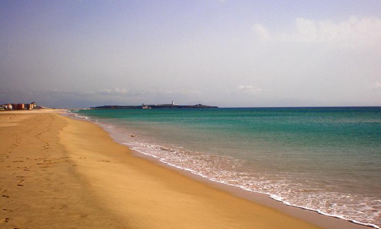 Пляж Плайя де лос Лансес