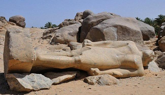 Статуя фараона Тахарки