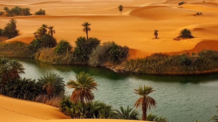 Соленое озеро Ум Ал Маа
