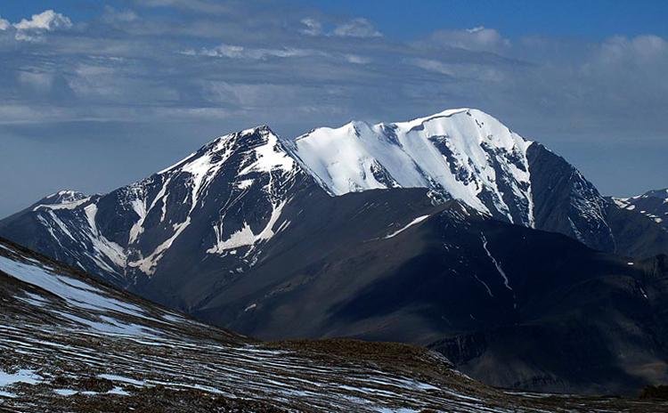 Гора Базардюзю